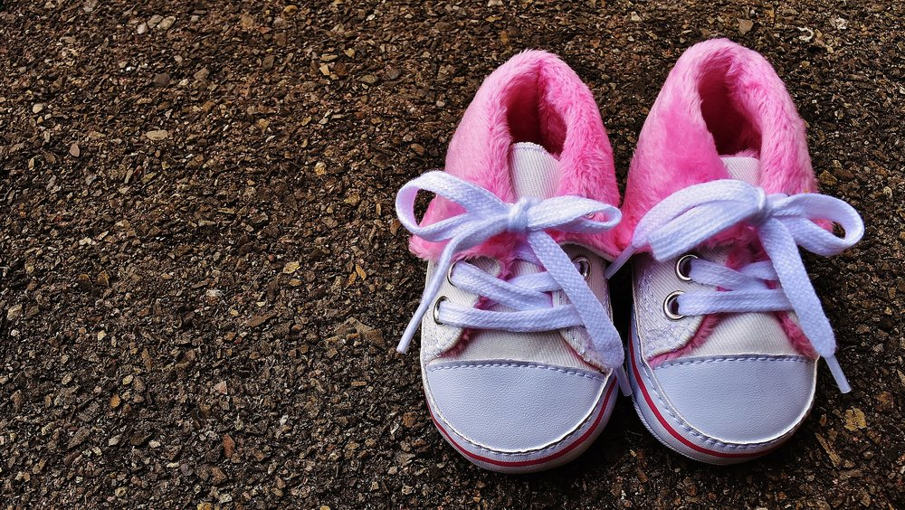 baby-shoes-1796583_1920.jpg