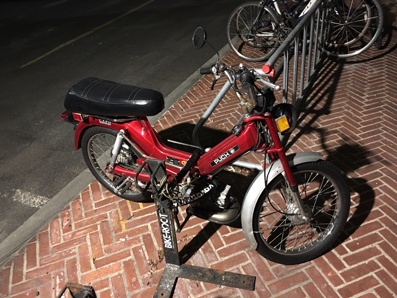 """alt= """"electric moped"""""""