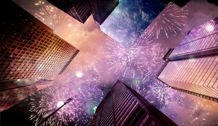 Amazing_Fireworks_Ove_City_Skyline_For_New_Years_Celebrations-465723-edited.jpg