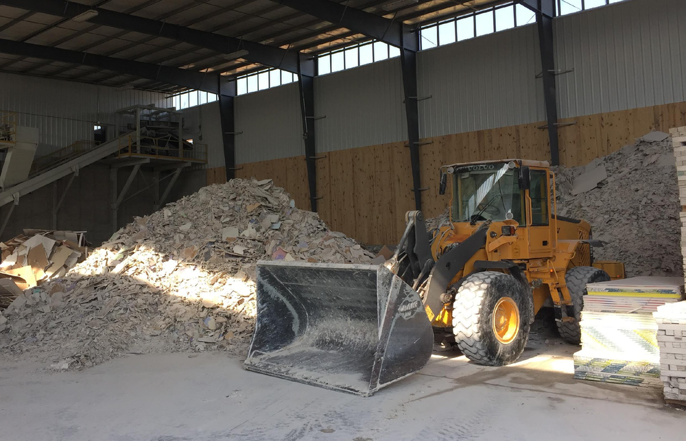 Regionalize supply chains - Reducing transport emissions and cost, and supporting local economies.Repeatedly cycle gypsum rock, a high-integrity material, in an efficient circular resource system.