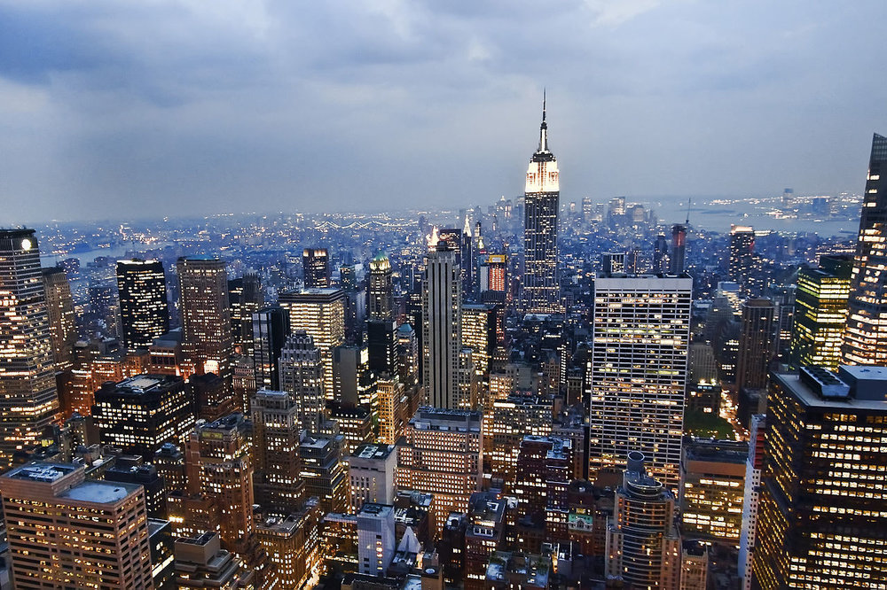 1280px-View_of_the_Empire_State_Building_from_the_Rockefeller_Center_observation_deck_NYC_-_18_August_2009.jpg