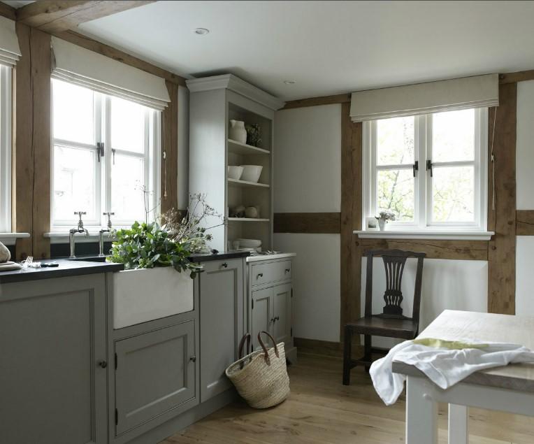 Border Oak kitchen 2.jpg