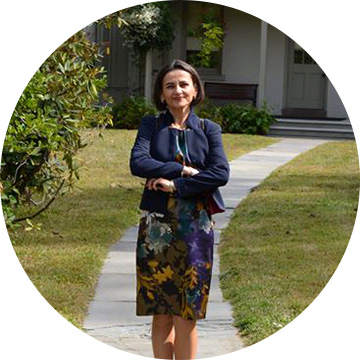 Madlena Schulman - Director ProiecteStatele Unite ale Americiimadlenaschulman@gmail.com
