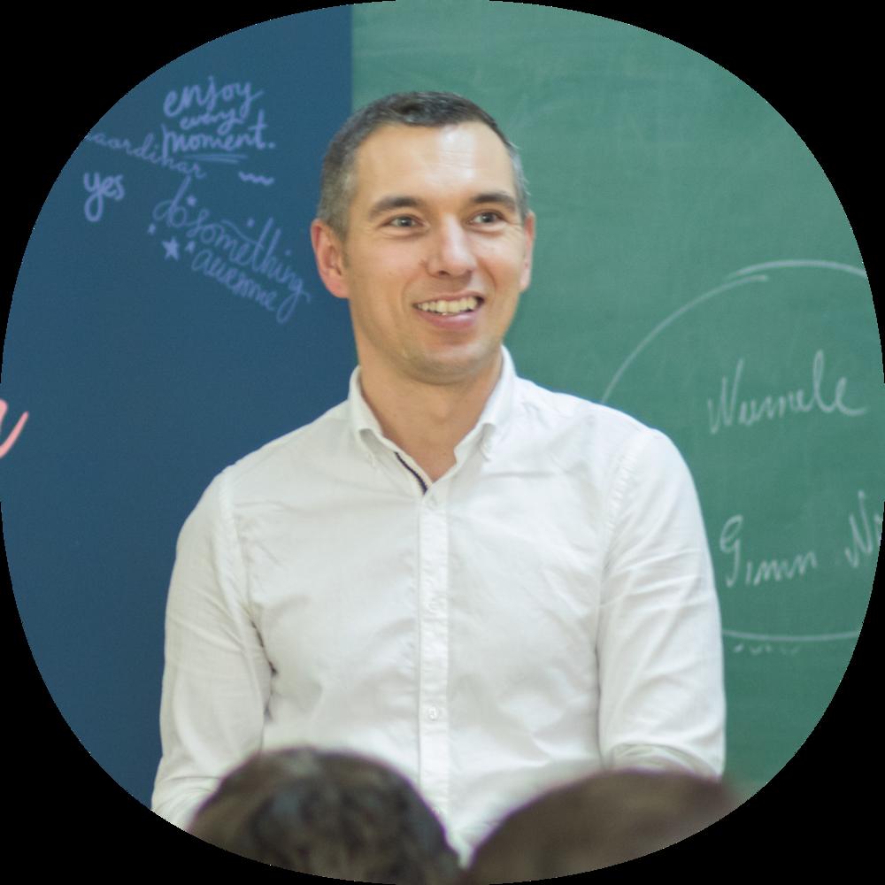 Mircea Șiclovan - Director Executivmircea.siclovan@educatie.ong