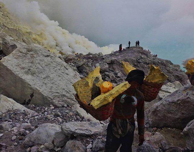 Sulphur miner. Kawah Ijen, Banyuwangi. #indonesia #java #banyuwangi #mining