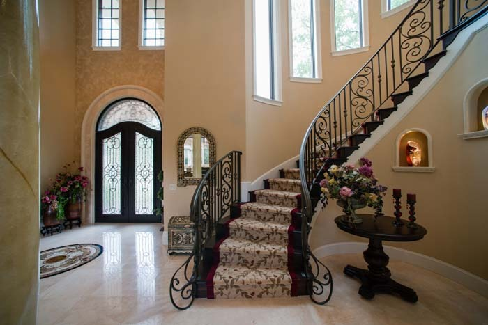 avoline furnished stairs and entry.jpg