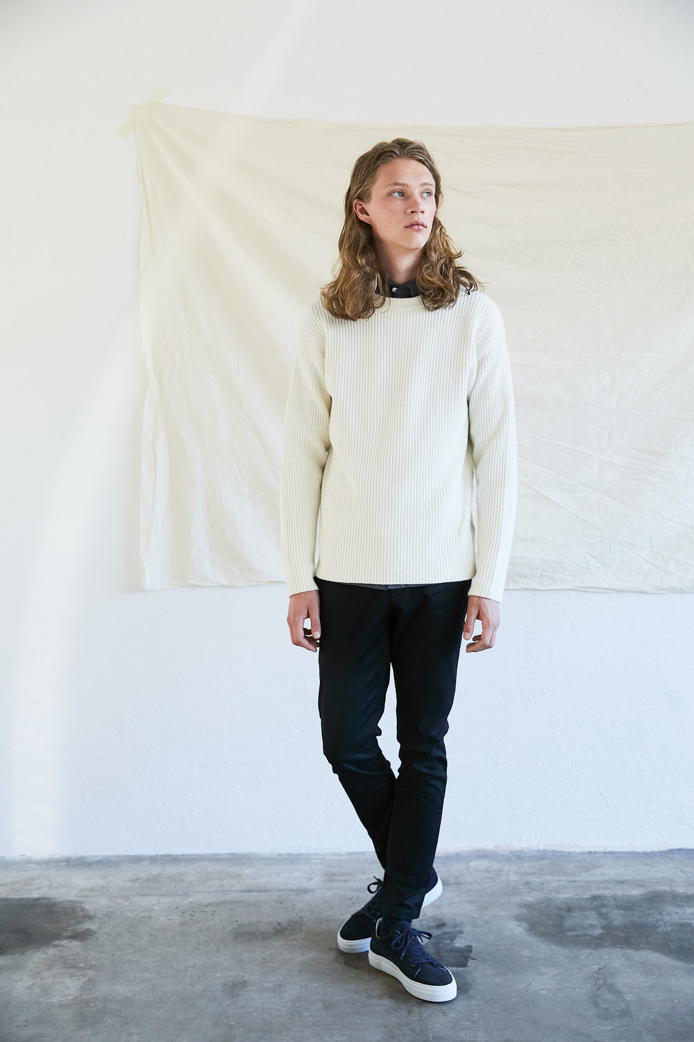 Sylvester Knit ,  Aimon Chinos  with  Mats Suede Sneakers.