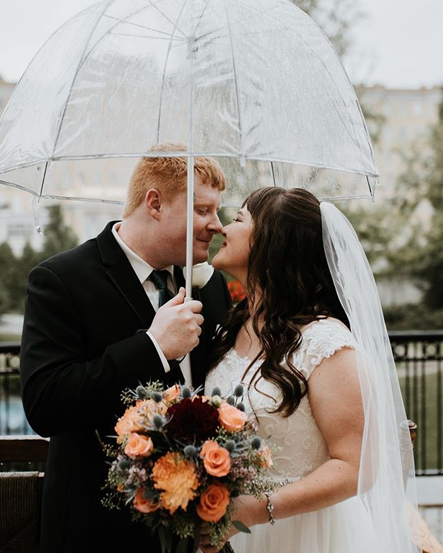 Took a little break from posting to Instagram but breaking the silence to share Amy + Casey's magical, intimate wedding! 🖤  Guys - these two faced a rainy wedding day with grace and only focused on what truly mattered: soaking in the day. (and I had a blast creating in the rain with the newlyweds!) 💧  The whole day was SO peaceful and full of joy - not to mention the absolutely stunning location they decided to host their wedding at!  You need to go see their first look over on my stories because it was so stinking sweet 😭🖤🙌🏻