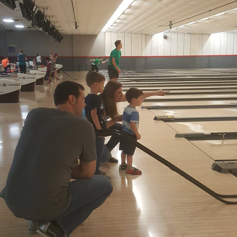 <b>Friends & Family Bowling</b>