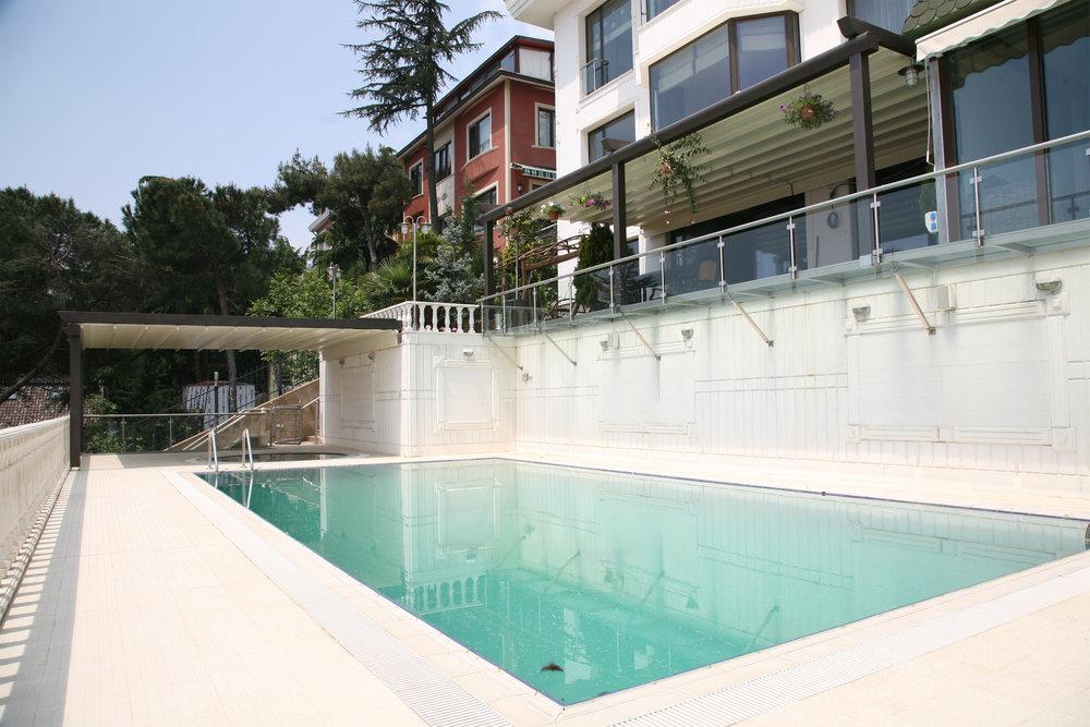 pergola_roof_pool-house.jpg