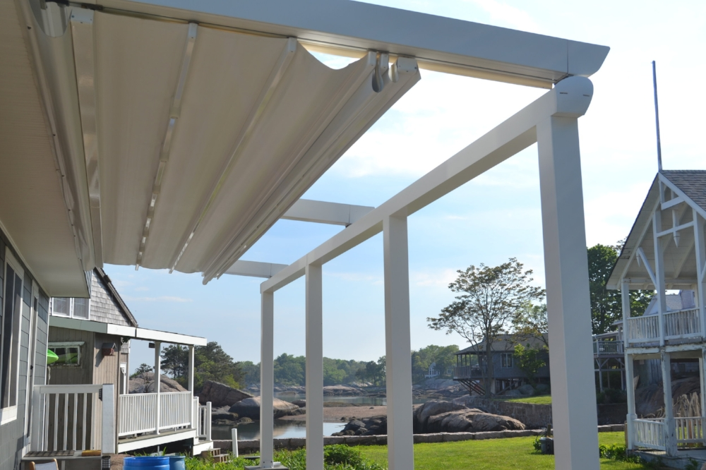 retractable-awning-pergola-canopy.JPG