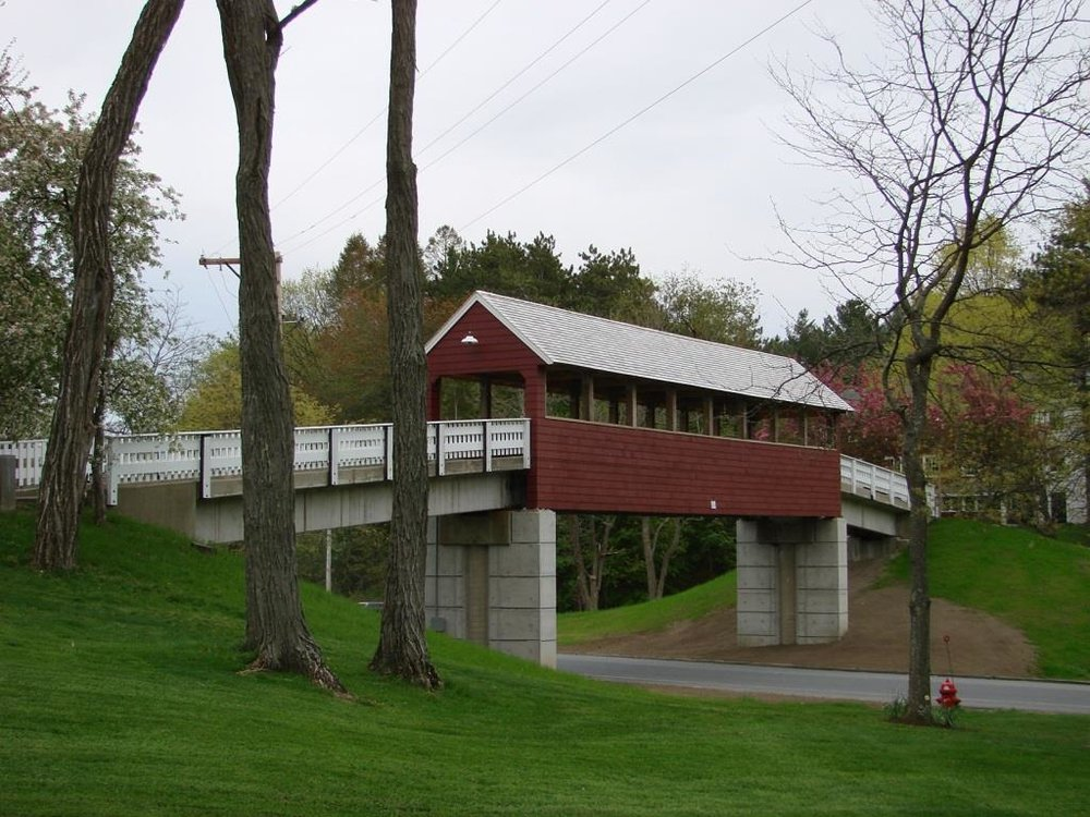 Covered Pedestrian Bridge / Governor's Academy / Byfield, MA