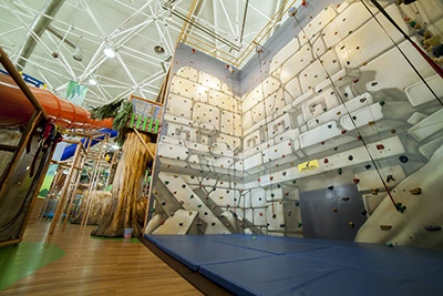 Billy Beez Cairo climbing wall Sept2016.jpg