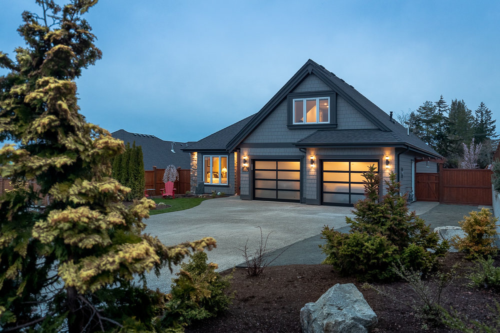 694_lowrys_road_parksville_vancouver_island_home_for_sale_front.jpg