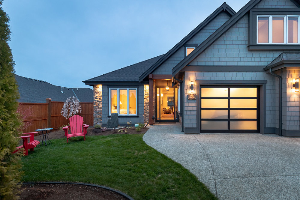 694_lowrys_road_parksville_vancouver_island_home_for_sale_courtyard.jpg