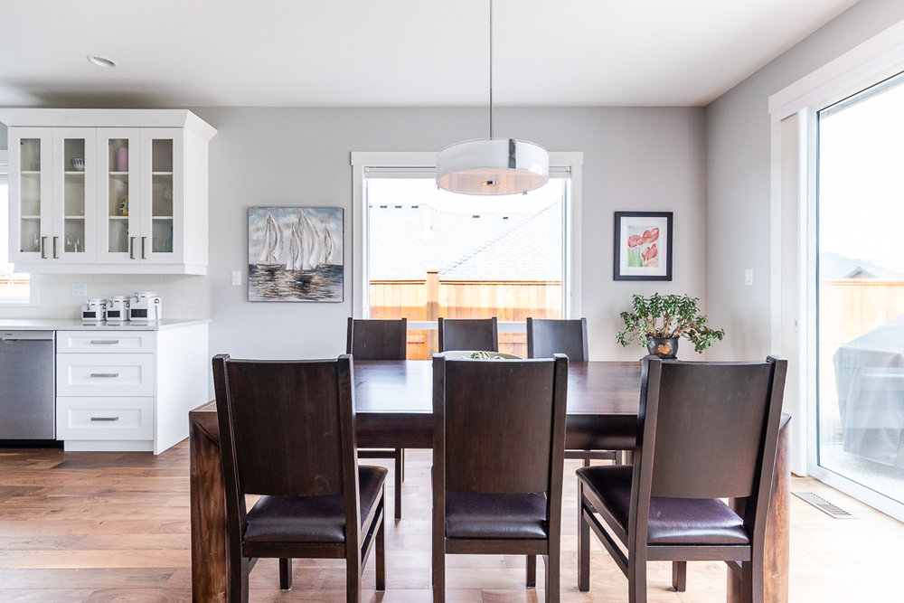 694_lowrys_road_parksville_vancouver_island_home_for_sale_dining_room_kitchen.jpg