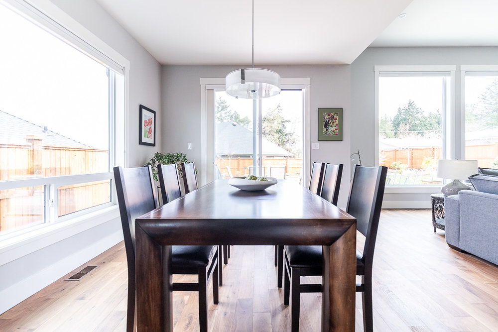 694_lowrys_road_parksville_vancouver_island_home_for_sale_dining_room_views.jpg