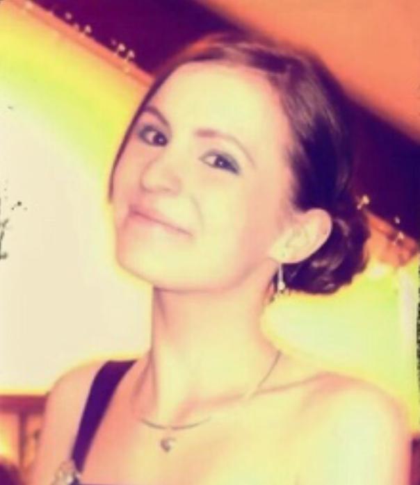 Emily Styles, 19