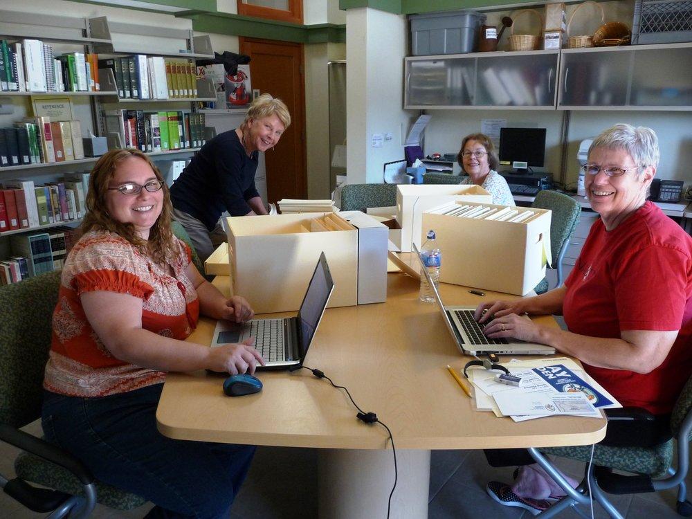 Christine Moser Carolynne Palmer Sharon Crawford Nancy Loe P1020861.JPG