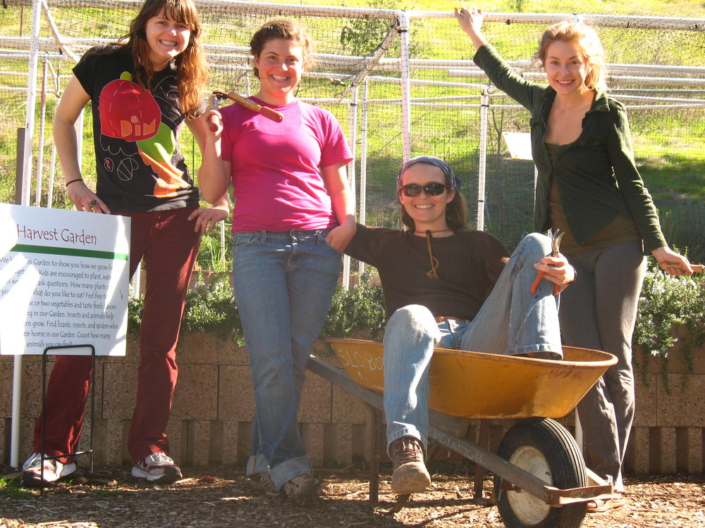 Kid Garden Volunteers 002.JPG