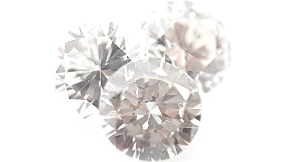 Diamant - ConfianteLa confiance en soi est le premier secret du succès - Ralph Waldo Emerson