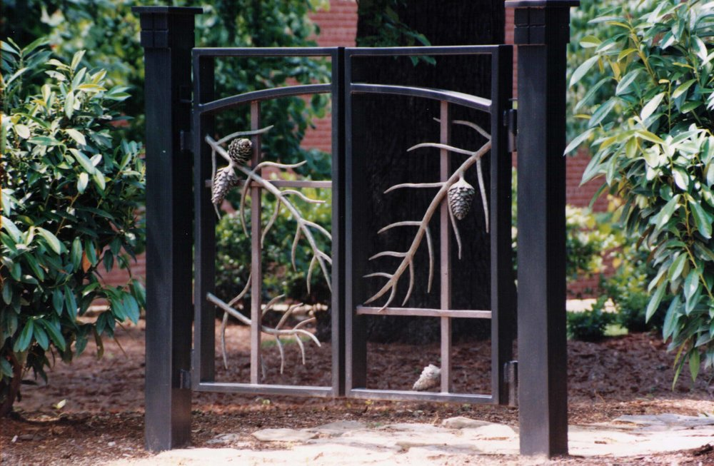 pine tree custom gate