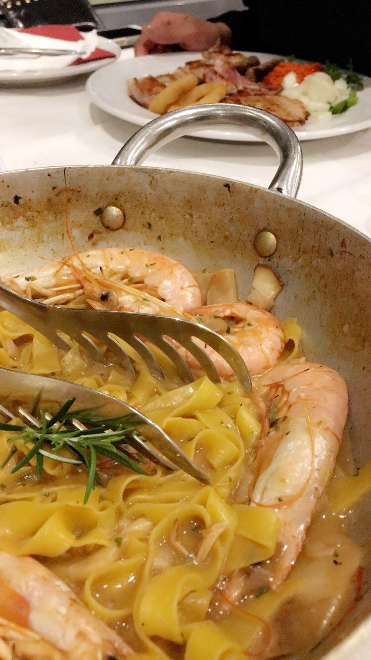 Pirat Piran, Slovenia seafood prawn pasta | Helena Alyssa