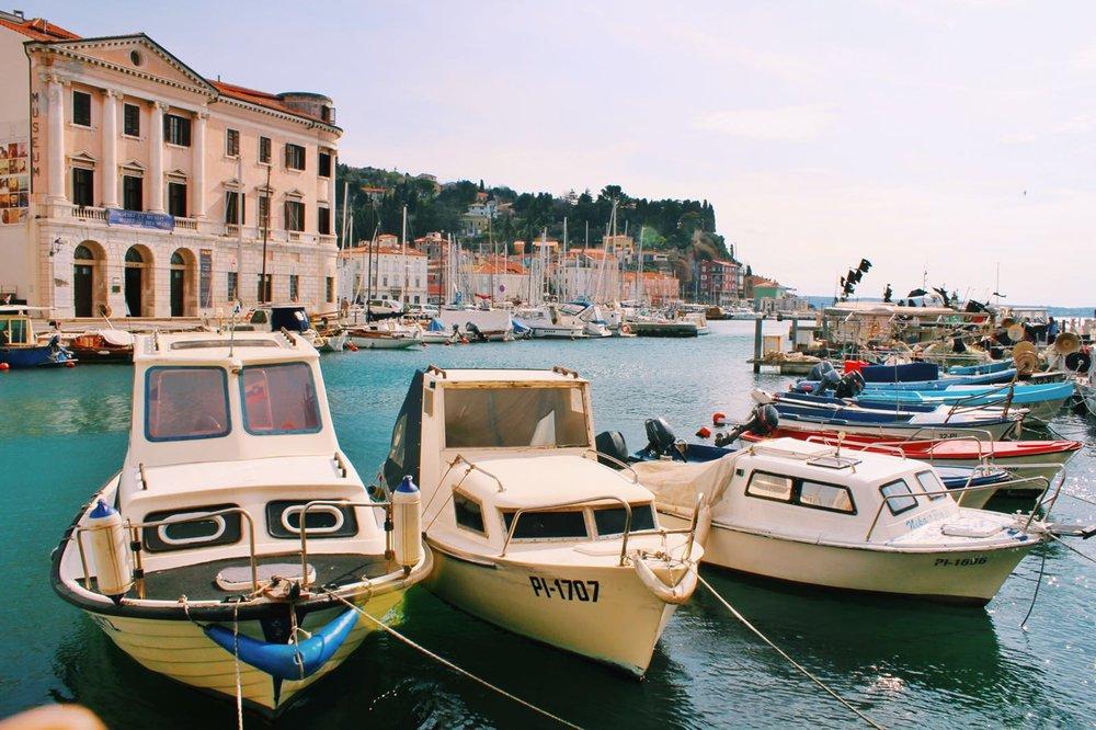 Piran coastline boats, Slovenia | Helena Alyssa