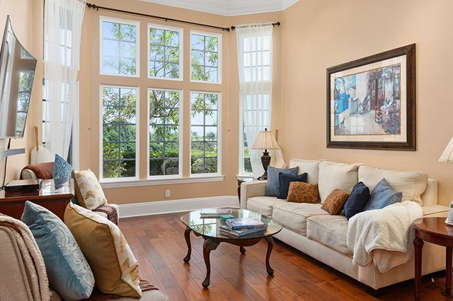 Floor to ceiling windows are even more dramatic when the ceiling is 15 feet tall! Looking for some #listing photos that stand out? We like to keep our images light and natural so your clients feel like they are standing in the room looking at each property. Contact us to get a photoshoot on the calendar.