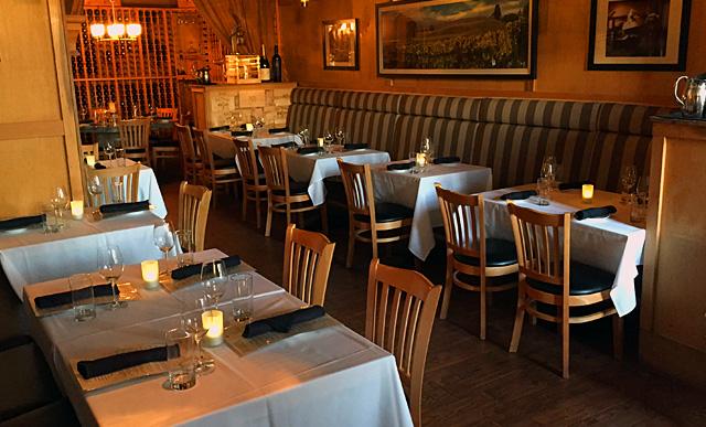 restaurant_DiningRoom.jpg
