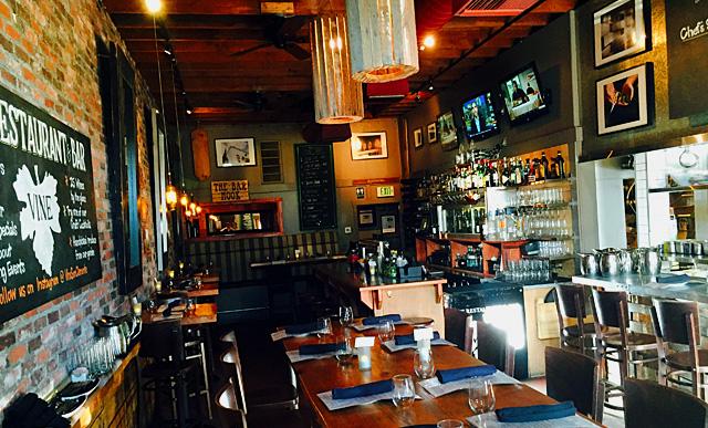 restaurant_Barside.jpg