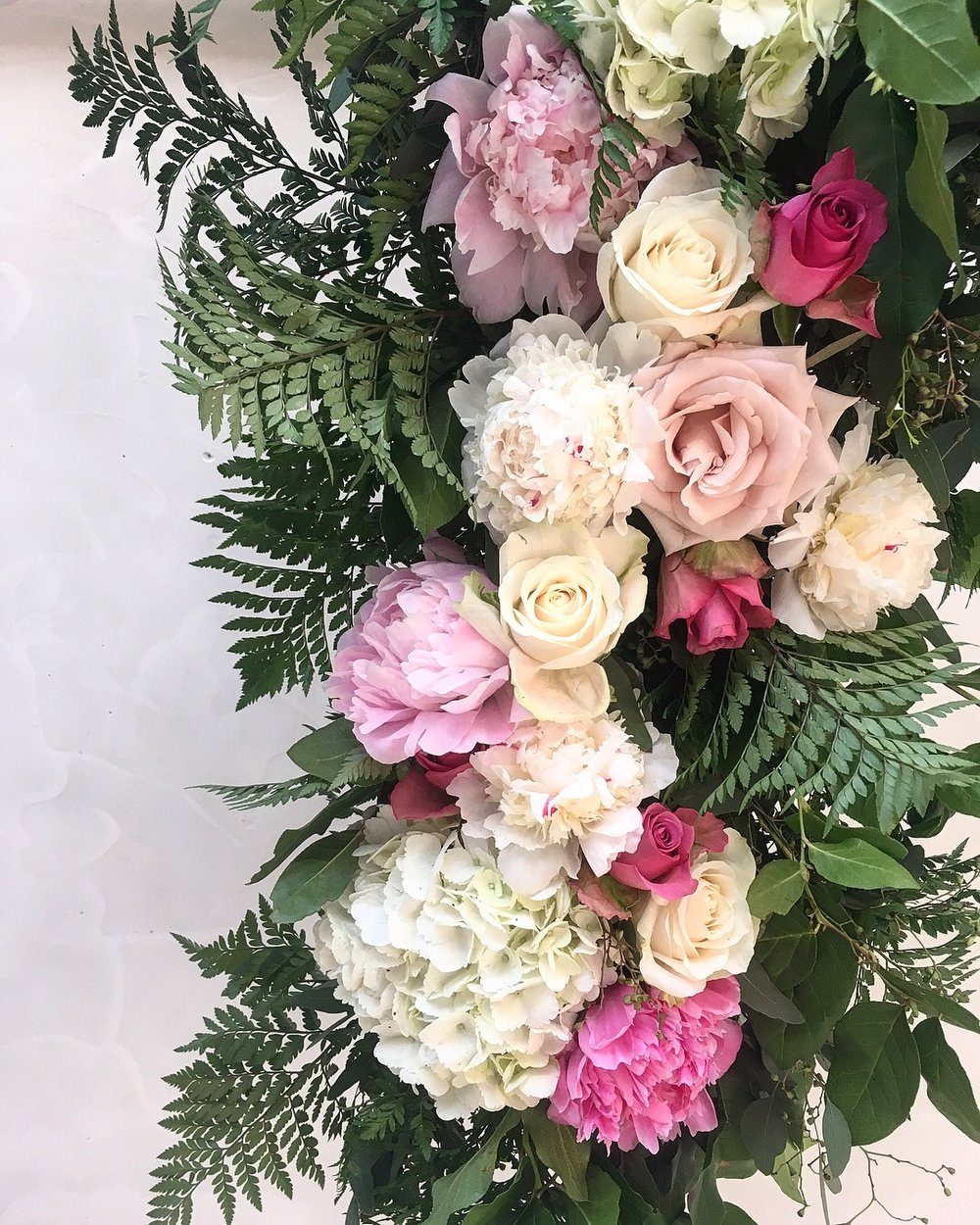 wedding + event floral - I make floral wreaths and arrangements, big and small!From holiday evergreens for your front door, to floral installation backdrops, I'd love to assist in all things floral for your next event.