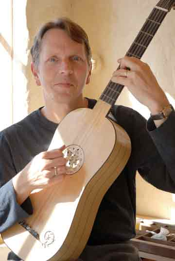 Tom with Baroque Guitar