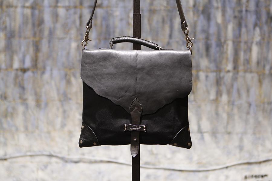 Messenger-handmade-Canvas-black-canary (2).JPG