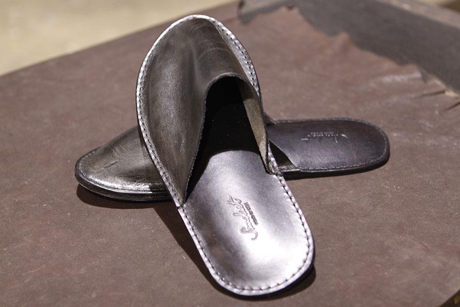 Slipper in Black