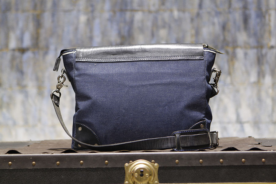 DakotaDenimMessenger-denimmessenger-handmadebag (4).JPG