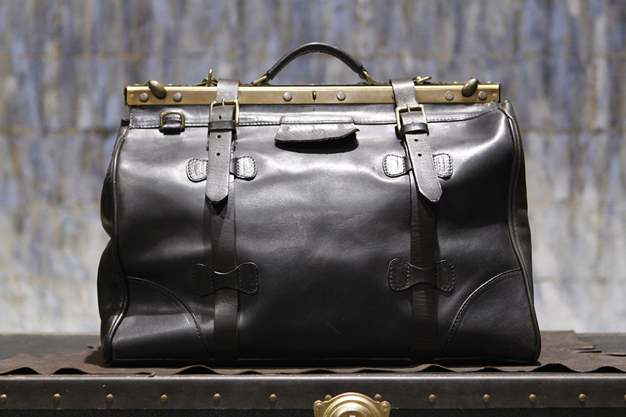 Christopher-Americanblack-handmadetravelbag-handmadeduffle (3).JPG