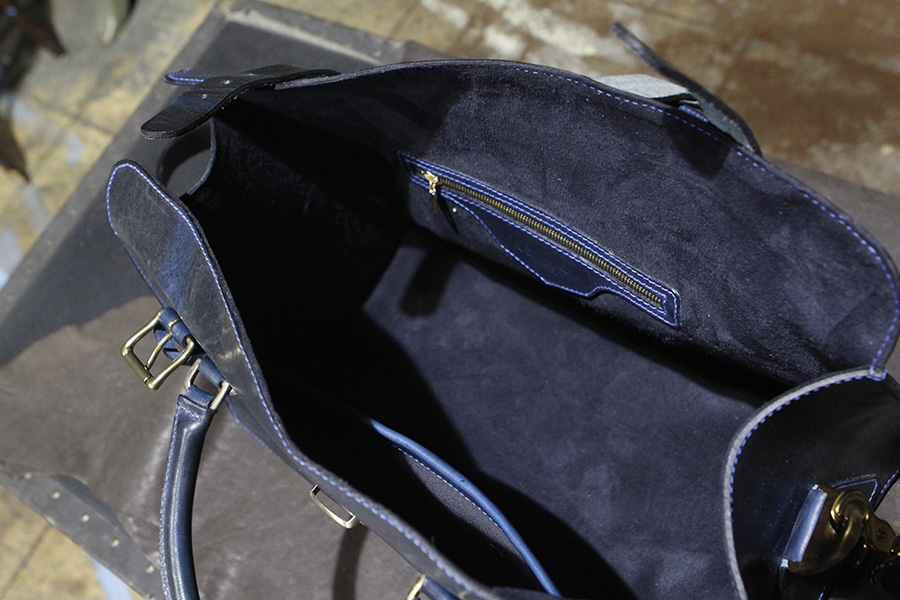 Interior : Micro Suede lined with Zipper & Kangaroo pocket