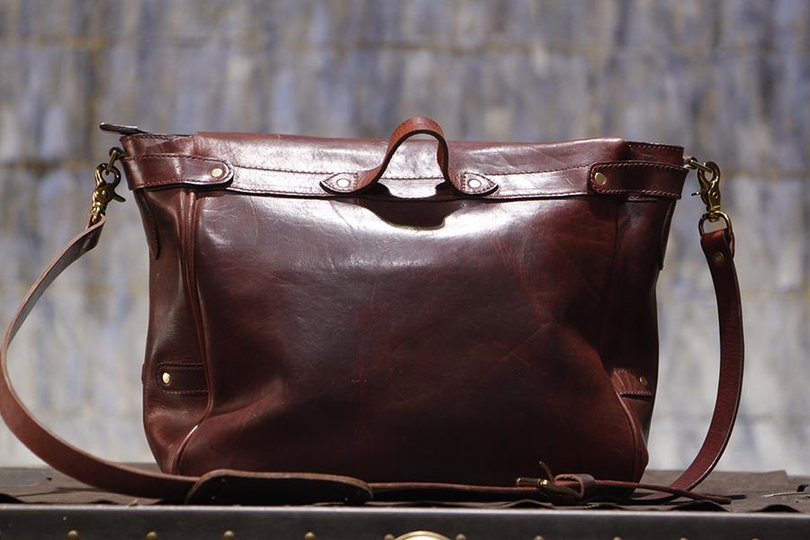 Handmade in Los Angeles using Horween Leather.  Cognac