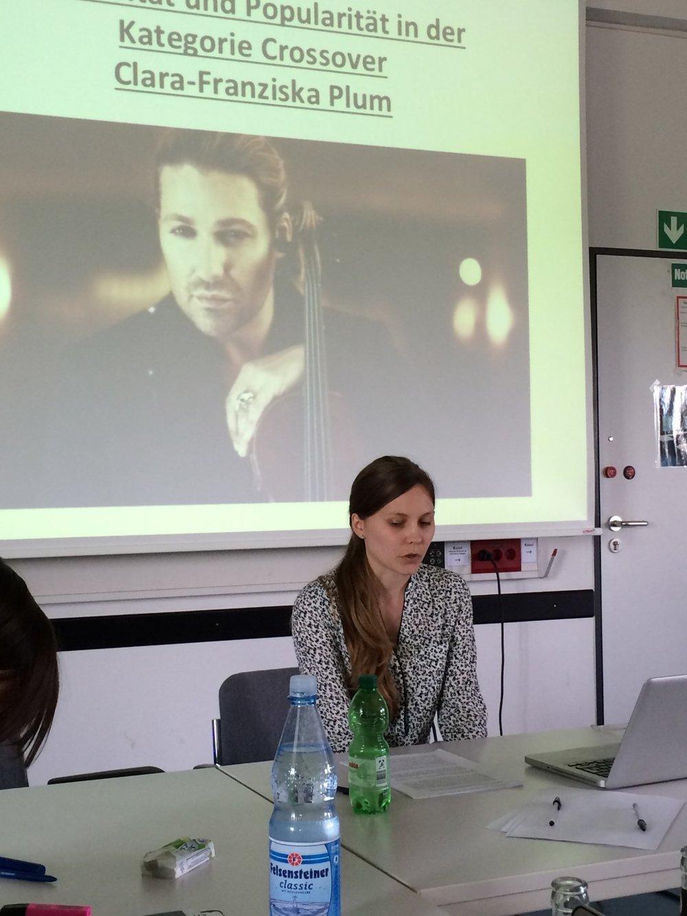 Cara-Franziska Plum spricht über Konzepte von Virtuosität und Popularität im Crossoverbereich