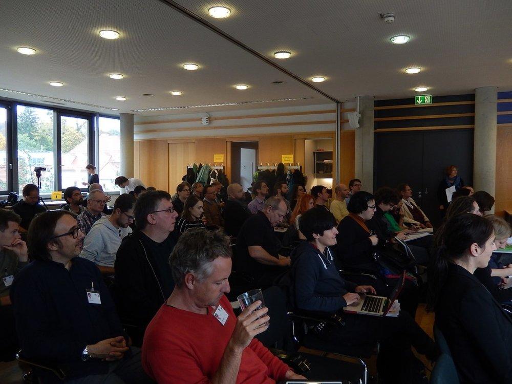 Gespanntes Zuhören bei der 2. IASPM D-A-CH Konferenz in Graz