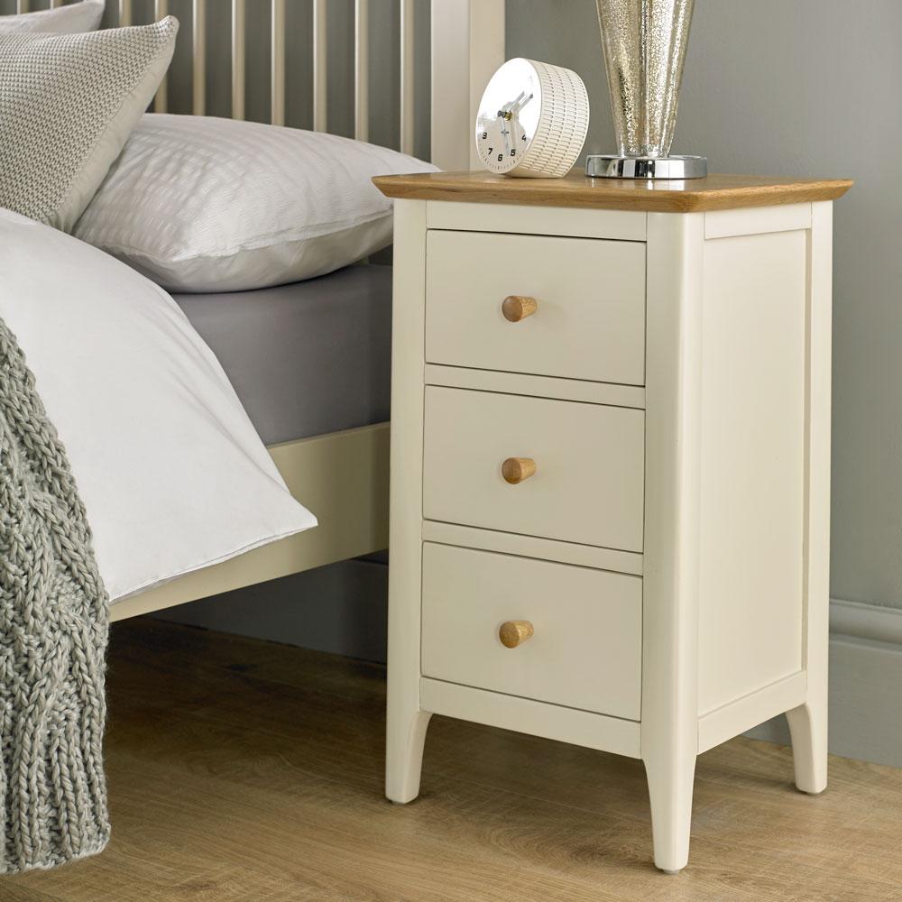 Selsley-3-drawer-bedside.jpg