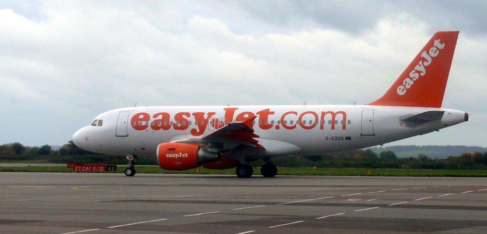 Bristol airport easyjet plane