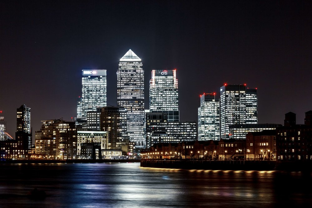 Canary-Wharf-at-night.jpg
