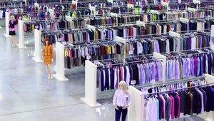 clothing+store.jpg