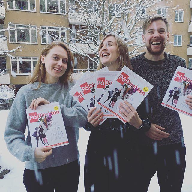 Episkt. Första snökaoset och första redesignade numret av Svensk Direktreklams kundmagasin På Direkten kom på samma dag. Läs om varför Ikeas marknadschef plötsligt började gråta, om Coops aktivist-kampanj, om hur ett gäng nätbutiker nu börjar satsa på fysiska butiker och massa annat. Storymark gillar snön och att jobba med På Direkten. Tack till @michelleeismann som illustrerat.  #coop #ikea #därlivethänder #webhallen #ellos #royaldesign #berghs