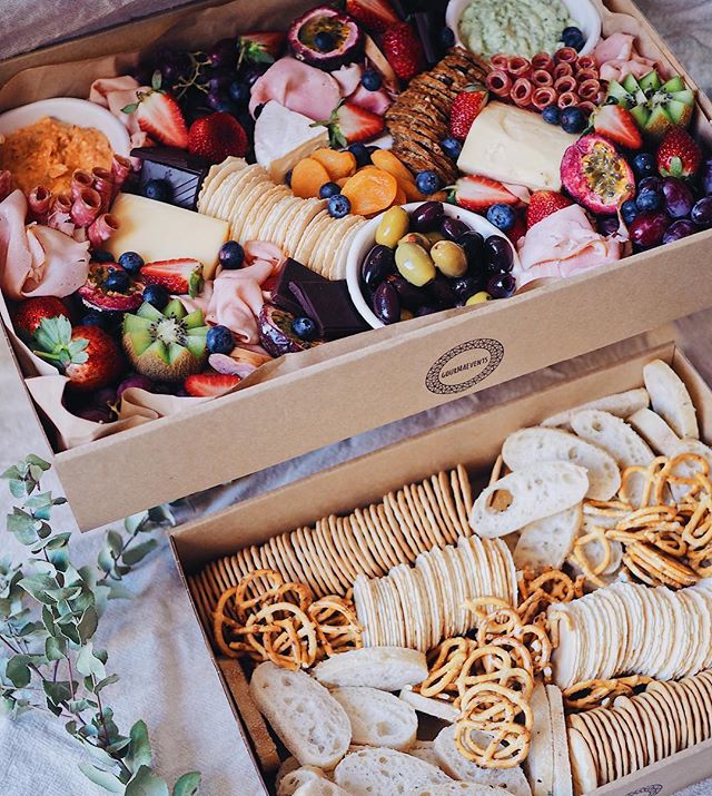 This is our Large Platter Box... a very important inclusion for Friday after work drinks🧀🍷