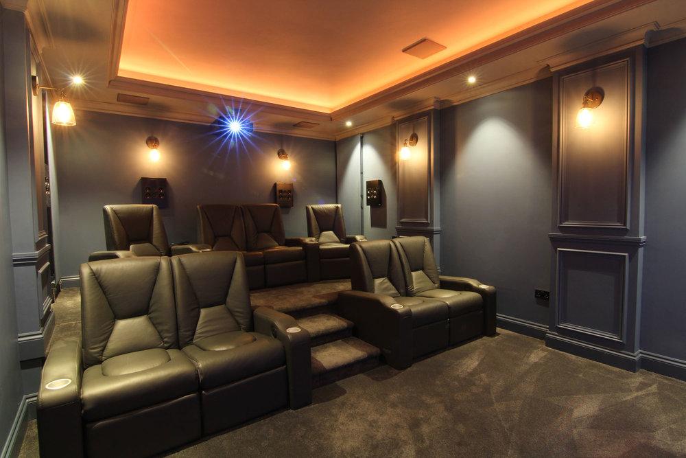 Home_Cinema_Bespoke_Home_Cinemas_02.jpg