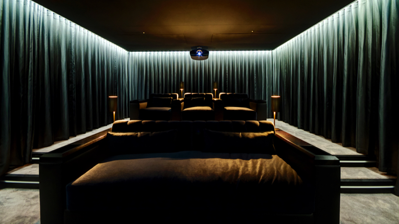 Artcoustic+Cinema,+installed+by+Smartcomm,+UK+(2).jpg