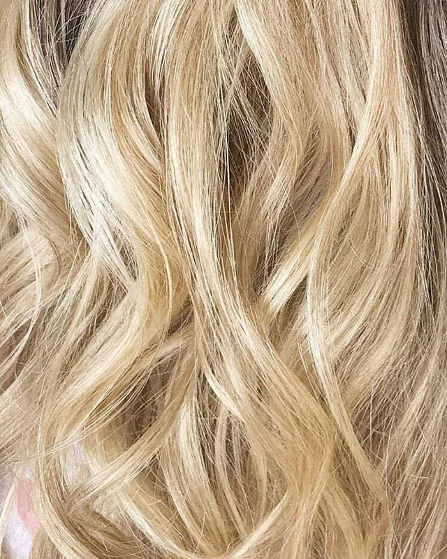 Dreamy blonde waves 🌊 . I'll share the whole look after the wedding day... but for now, look at that S H I N E ✨✨ . . @beyouweddings #beyoubrides #modernbride #hairstylist #hairandmakeupartist #hairideas #hairinspiration #blondehair #blondewaves #hairinspo #haircloseup #dreamy #blondelocks #modernbridalhair #weddinghairinkent #hairstylistkent #weddinghairstylistlondon #hairstylistlondon #kentweddings #chicbride #coolbride #waveyhair #happyfriday